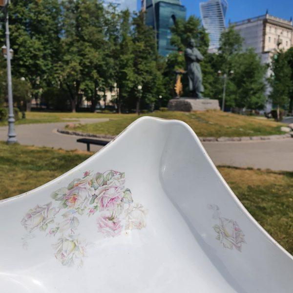 Крупный фаянсовый салатник с зеленой маркой М.С. Кузнецова П.Ф. Песоченская фабрика